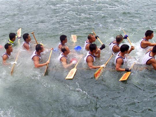canoe sinking