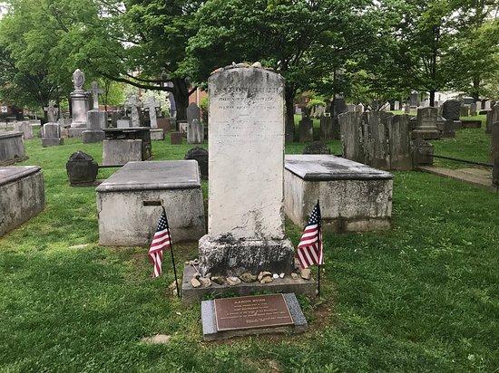 aaron-burr-s-headstone
