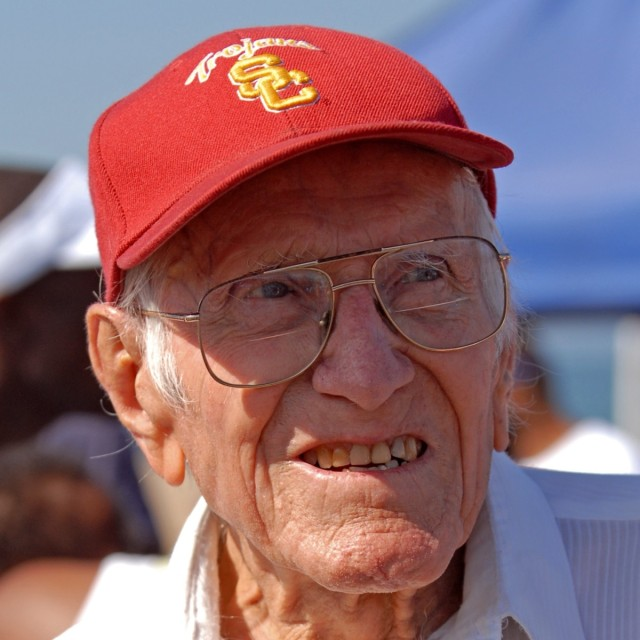 louis-zamperini-2